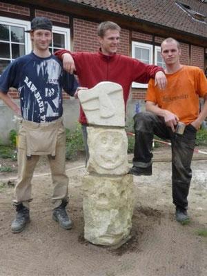 Die 3 Aufbauer der Kunstmauer