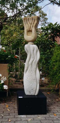 >Meerweib III - die Strömende<, Elbsandstein, 2005, H 160 cm