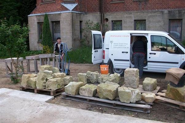 Transport der fertigen Einzelsteine zur Woltersburger Mühle nach Uelzen