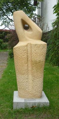 >Wächter<, Sandstein, 2012, H 110 cm