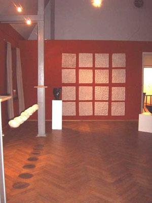 """Ausstellung """"Samain"""": Das Schwere + das Leichte"""