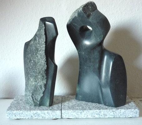 >Die Zwei<, Kalkstein, 2010, H 25 cm
