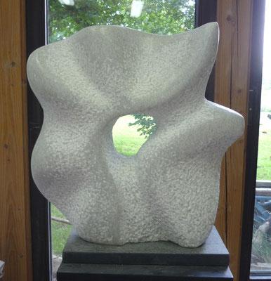 >Lebenslust oder Alles ist nur Übergang<, Marmor, 2012, H 60 cm
