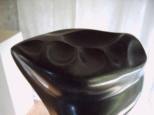 >Meereslauschen<, Gabbro, 2006, H 37 cm