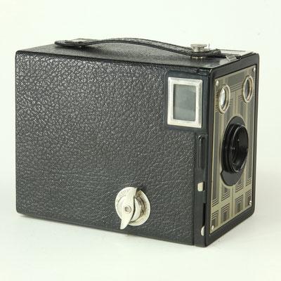 KODAK Brownie SIX-20 Junior 1934-42  ©  engel-art.ch
