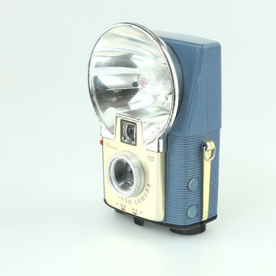 KODAK  Brownie Starflash Camera 1957 - 1965    © engel-art.ch
