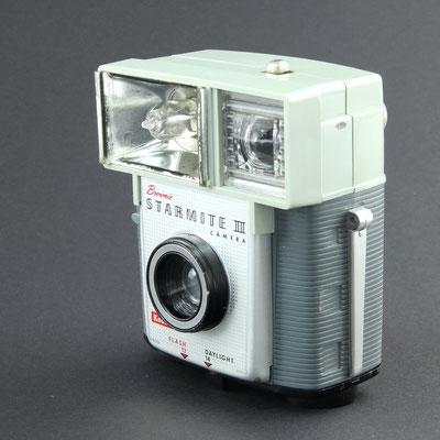 KODAK Brownie Starmite II Camera  1962 - 1967  ©  engel-art.ch