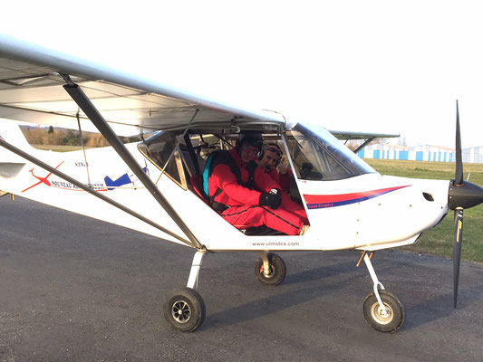 parachutist on his way to jump