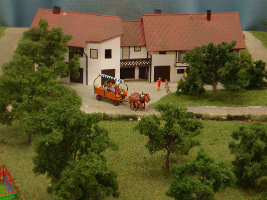 Der Haldenhof mit seinem Pferdefuhrwerk
