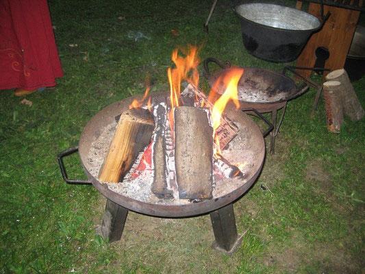 Was gibt es Schöneres als ein Lagerfeuer.