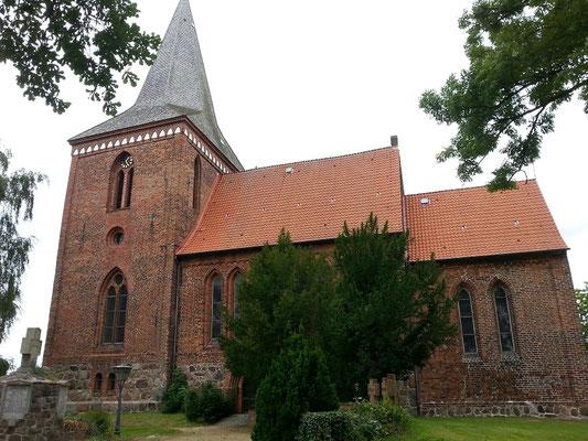 1154 gründete H:der Löwe das Bistum Ratzeburg. Berkenthin gehört zu den vier Kirchenspielen die zwischen 1194 und 1230 geründet wurden.