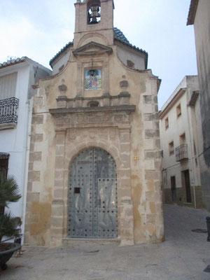 Eine kleine schöne Kapelle in Teuladas Altstadt