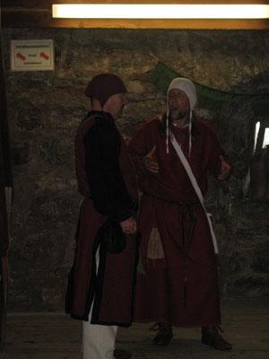 Bernhard von Arenbach begrüßt seinen Schwager Joachim vom Huchenfelde.