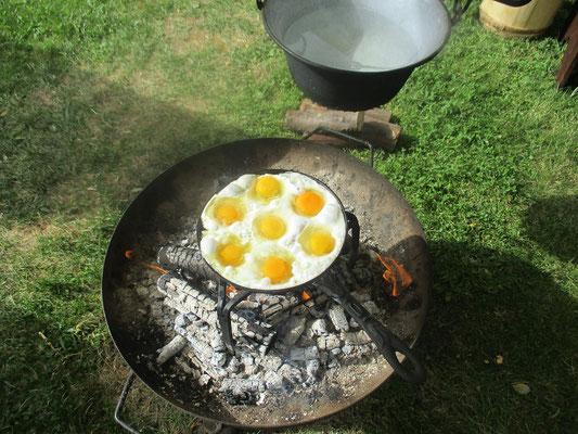 Sieben auf einen Streich. Die neue Pfanne für die Frühstücksspiegeleier