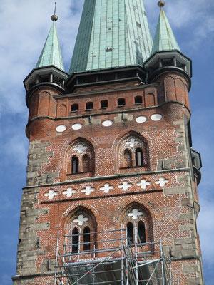 Auf diesem Kirchturm befindet sich heute eine Aussichtsplattform über die man einen wirklich herrlichen Blick auf die Altstadt hat