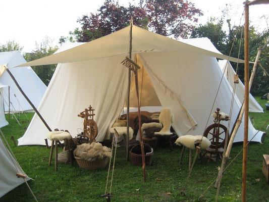 Das Zelt derer von Flacht wird immer schöner