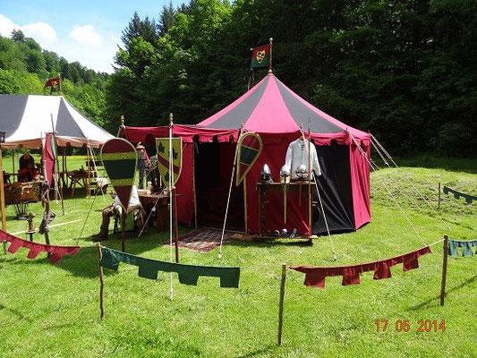 Das Zelt steht