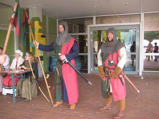 Auch am Sonntag standen wir Wache am Tor und stimmten die Besucher ein, auf das was sie alles erwartete.