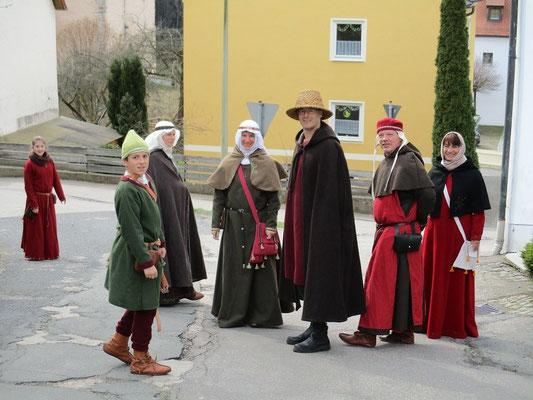Durch den Ort Trausnitz gelangen wir zur Burg.