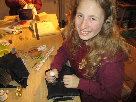 Johanna hat sich eine eigene Tasche kreiert fürs Zivilleben