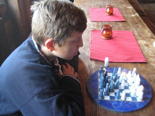 Thomas spielte Schach