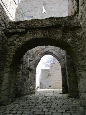 Der Torbau war auch einmal mit einer Zugbrücke versehen