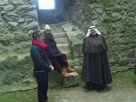 Schaurig war es, die Sage über das eingemauerte Burgfräulein zu erfahren.