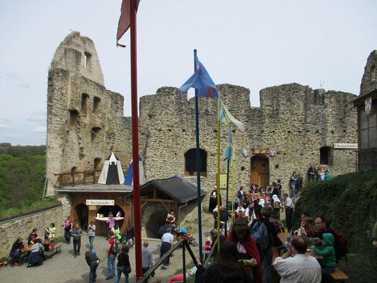 Sogar die Burg besuchten wir dieses Jahr zur rechten Zeit