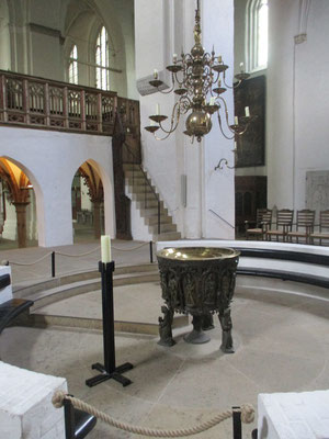 Taufbecken aus dem Jahre 1455