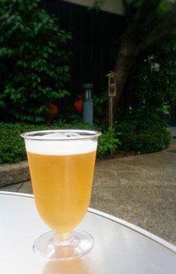 黄桜酒造 黄桜の木の下で黄桜さんの麦酒をいただく♪