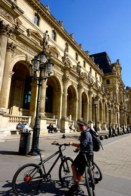 mit dem Bike durch Paris - ist schon eine Herausforderung