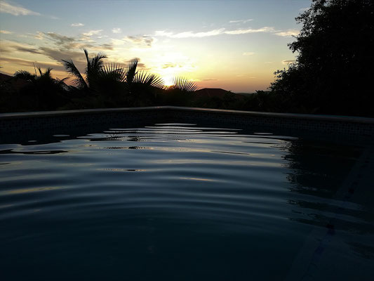 Karibik-bei-Nacht-Urlaub-Curacao-Ferienhaus-Karibik-Villapark-Fontein