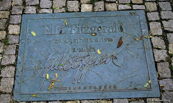 """Burghausen: Burghausen ist auch weltbekannt durch sein jährliches Jazz-Festival. 1975 trat hier auch Ella Fitzgerald auf. Ihre Darbietung von """"Silent Night"""" ist unvergesslich"""