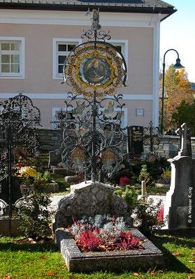 Wagrain, Grab von Joseph Mohr im Sommer