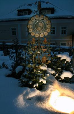 Wagrain, Grab von Joseph Mohr im Winter