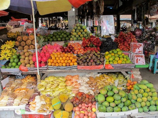 Bedugul Local Market - a colourful experience - and famous for his fruit and vegetable crackers
