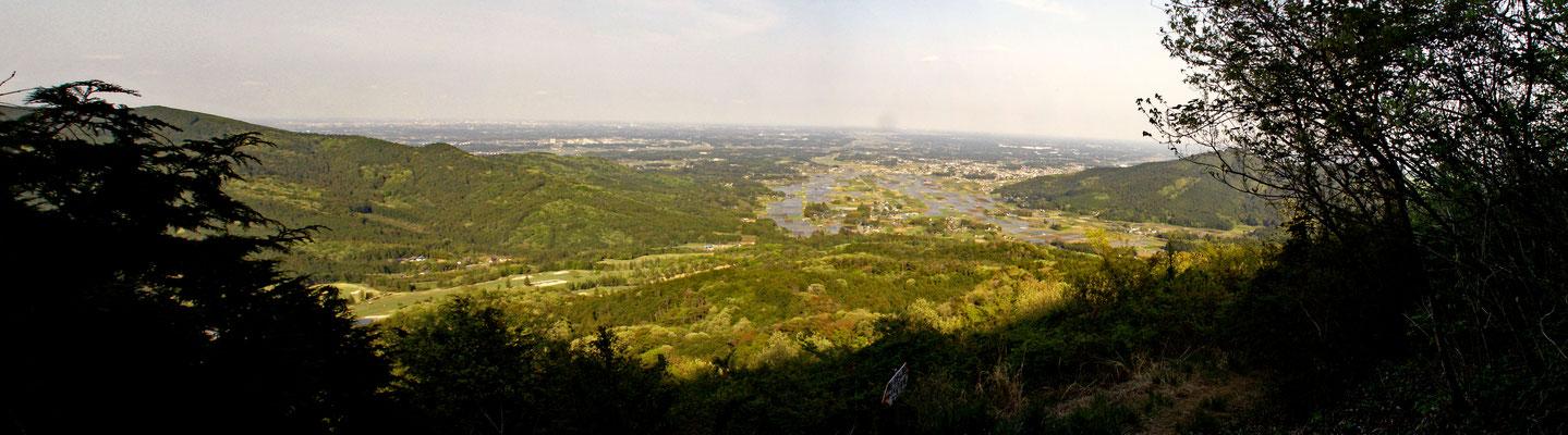 絶景ポイントから 見る上郷地区 帰り道の途中の絶景ポイントから上郷地区を眺める。
