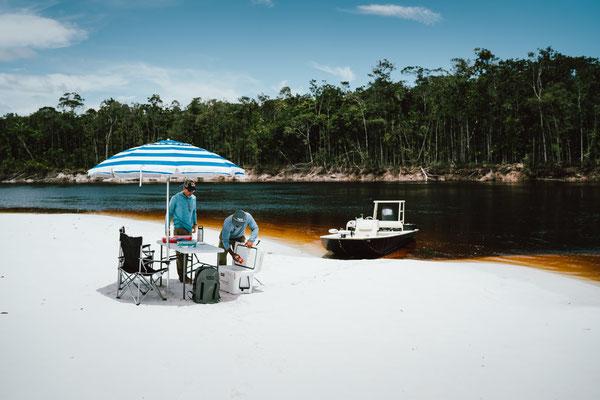 FFTC.club - Untamed Angling Brazil - Marie Rio de Gigantes - Amazonas beach setting