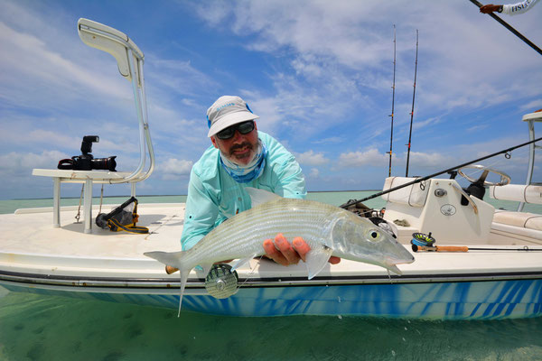FFTC.club - Fly fishing Bahamas - Crooked and Acklins ISLAND - Bonefish release