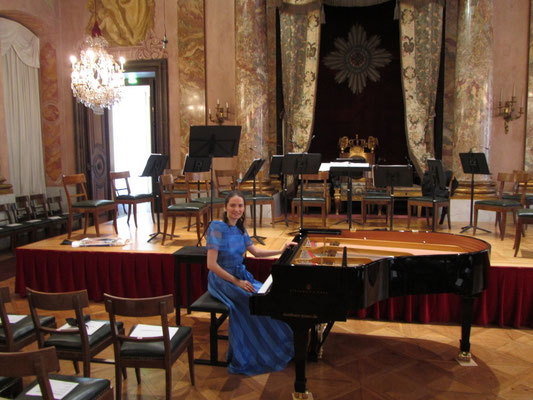"""Schloss Ludwigsburg 2012 (shortly before performing with Chamber Orchestra """"Concerto Ludwigsburg"""")  © Foto: privat"""