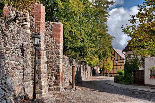 Stadtmauer Am Katzenellenbogen