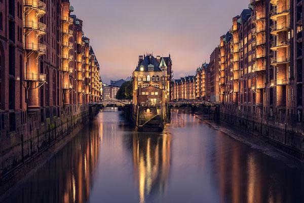 Hamburg Speicherstadt mit Wasserschloß von Tobias Gawrisch (Xplor Creativity)