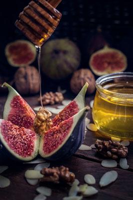frische Feigen mit Honig und Nüssen von Tobias Gawrisch (Xplor Creativity)