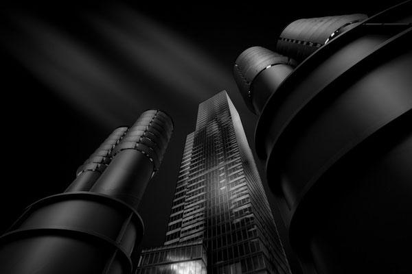 KölnTurm in Köln mit Luftschächten im Vordergrund von Tobias Gawrisch (Xplor Creativity)