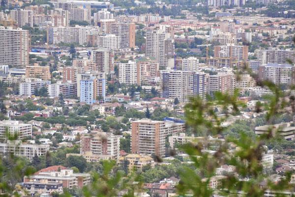 Vue sur Santiago depuis la colline de San Cristobal