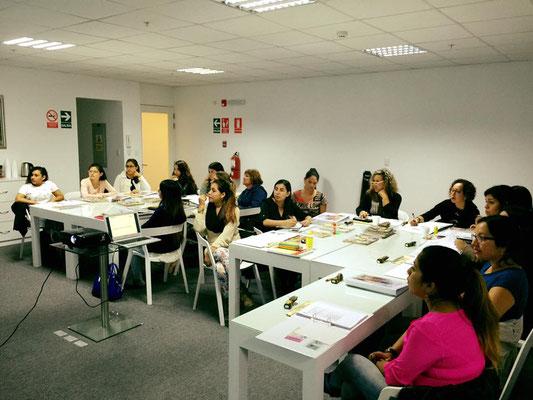 ALUMNOS DE LA CARRERA INTERNACIONAL EN CLASES - ASESORÍA DE IMAGEN & PERSONAL SHOPPER
