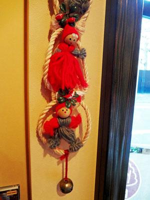 入口のクリスマス人形さんたち