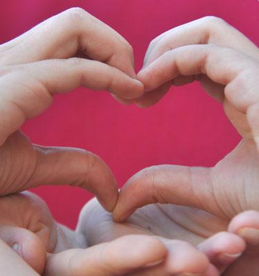 Avoir le cœur sur la main