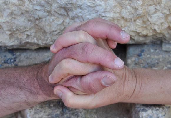 Main dans la main (l'Amour)