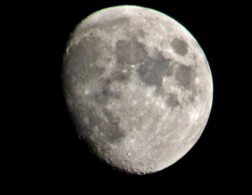 Mond am 13.12.2013